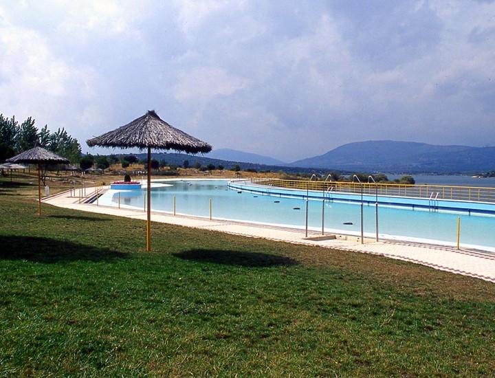 De piscinas en madrid excellent hacemos de su piscina un for Piscina monforte de lemos