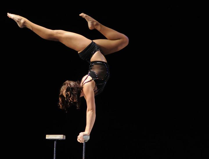 El teatro Nuevo Apolo se llena de acrobacias, números de circo y humor de la mano de 'The Hotel', un espectáculo de variedades que se representa durante dos únicas semanas, hasta el próximo 1 de septiembre.