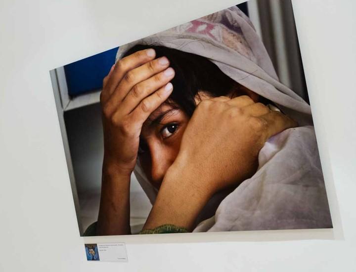La exposición 'Mujeres. Todas somas una' puede visitarse hasta el 19 de enero en el Museo de Antropología. Organizada por el museo y ACNUR muestra a través de la fotografías de Francisco Magallón la realidad de las mujeres que huyen de sus lugares de origen tratando de dejar atrás guerras, abusos sexuales o la ablación.