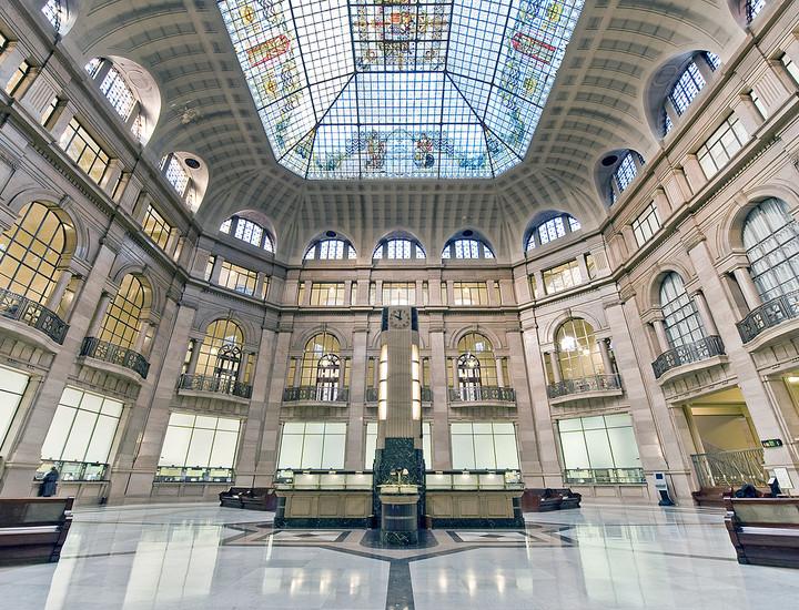 Galería Madridiario - El banco de los bancos - Actual patio de operaciones  del banco
