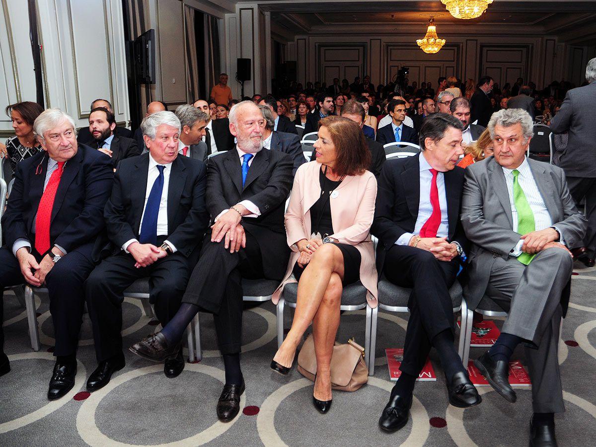 Primera fila de autoridades en la gala Premios Madrid 2014, Javier Rodríguez, Arturo Fernandez, J. I Echeverría, Ana Botella, Ignacio Gonzalez y Jesús Posadas