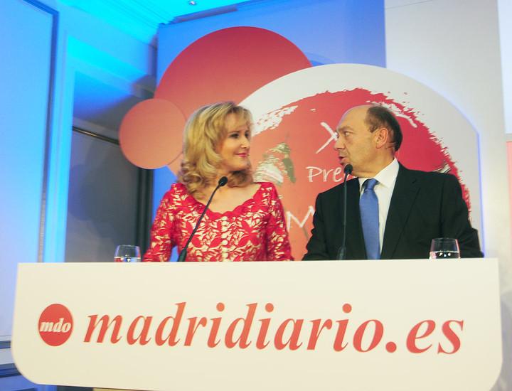 Los presentadores de la gala, Nieves Herrero y Constantino Mediavilla.