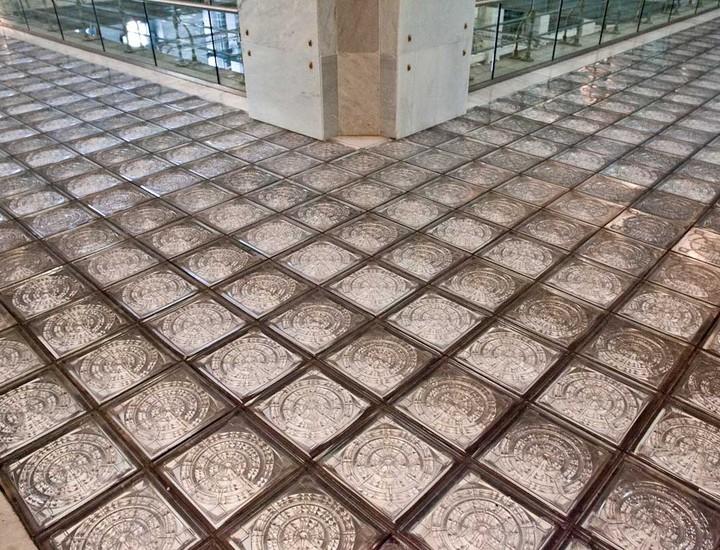 Galer a madridiario un palacio municipal suelos de - Cristales de paves ...