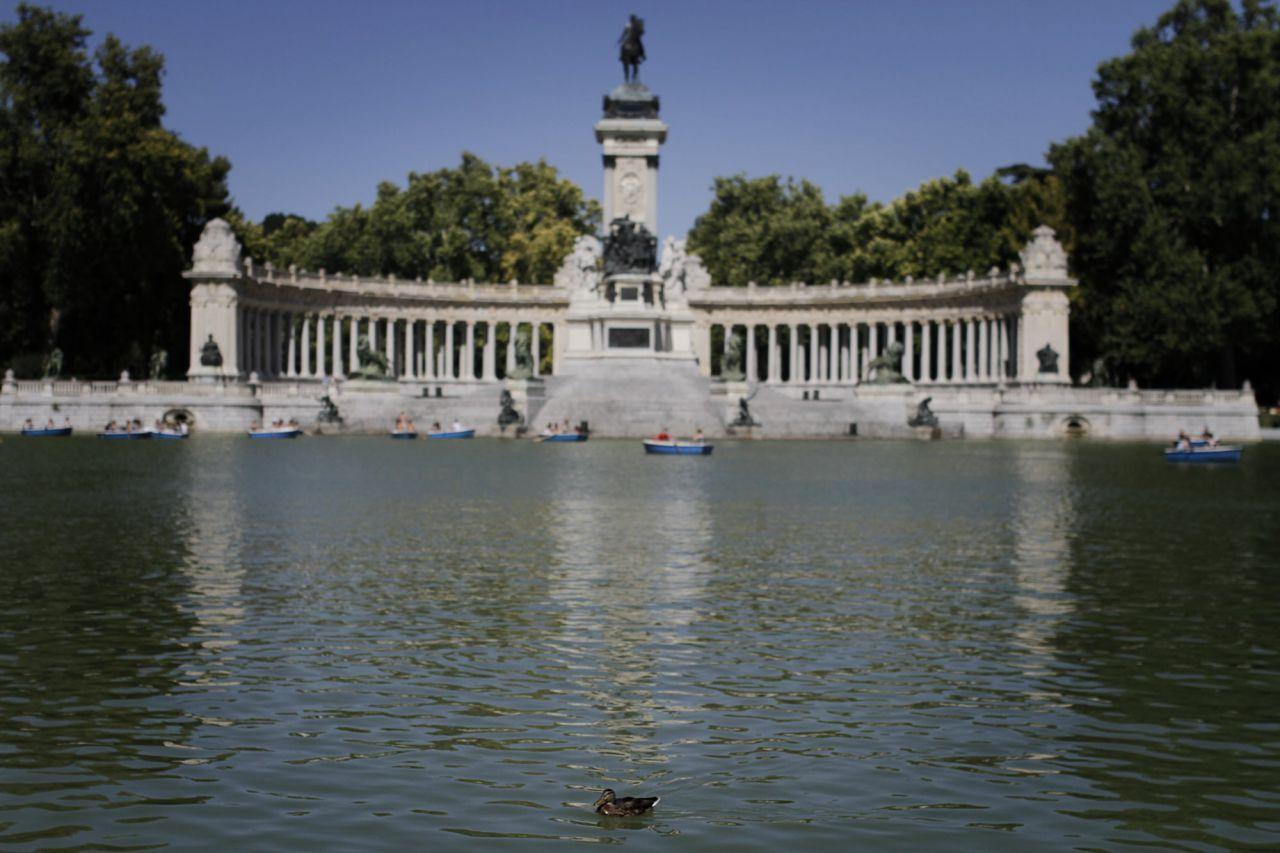 El estanque del parque del Retiro.