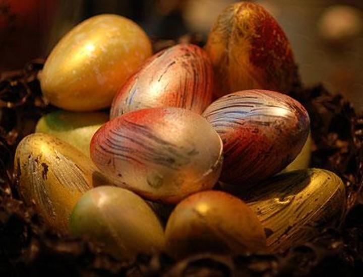 Con la llegada de la Semana Santa comienza la tradición de regalar huevos de Pascua.