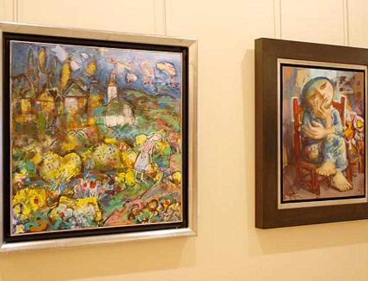 Álvaro Reja, nacido en Badajoz el 20 de junio de 1964 y de formación autodidacta, comienza su trayectoria de forma profesional en 1990 participando en diversas exposiciones colectivas en la mayoría de las capitales españolas. Actualmente expone su obra en la galería Durán de Madrid.