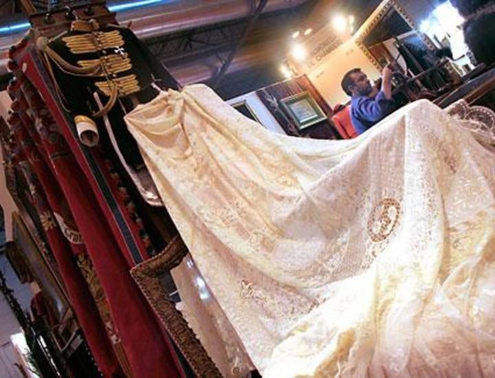 La feria Almoneda traerá al pabellón 7 de Ifema más de 30.000 antigüedades y obras de arte y de coleccionismo con un mínimo de 50 años de antigüedad desde este sábado hasta el 6 de abril. Vea las imágenes.