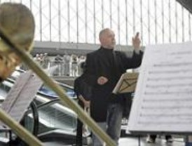 Barenboim dirige a la West-Eastern Divan Orquesta en la Plaza Mayor