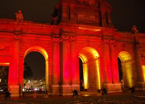 La Puerta de Alcalá se pasa a la iluminación del siglo XXI