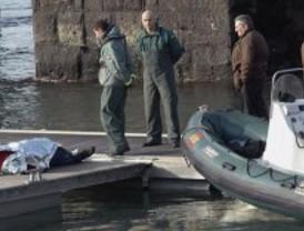 Hallan el cuerpo de un niño que desapareció al volcar un barco en Gijón