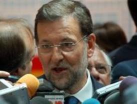 Rajoy y Cospedal llaman a la unidad y Fraga niega la trama
