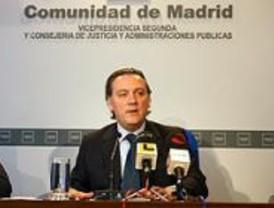 Los funcionarios serán bilingües y aprenderán a atender a los discapacitados