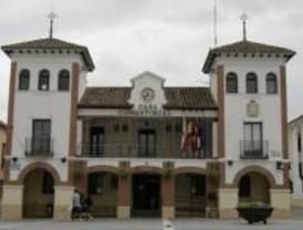 La Comunidad entrega pisos para discapacitados en Pinto