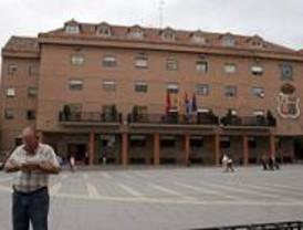 El PSOE pide al alcalde de Móstoles que cumpla con los jardineros