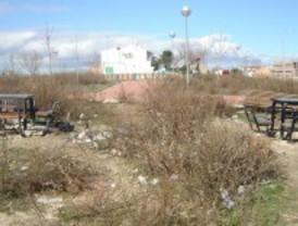 IU denuncia el abandono de una zona verde en Vicálvaro