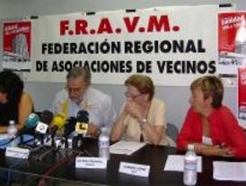Sindicatos y vecinos denuncian la privatización de la sanidad madrileña