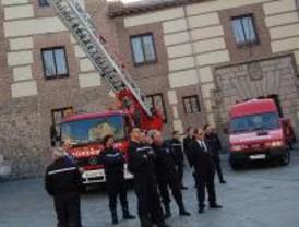 Los bomberos se concentrarán en la Plaza de la Villa para reclamar mejoras en su convenio
