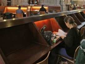 Las bibliotecas públicas amplían su horario por los exámenes