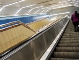 Metro ahorrará 600.000 euros anuales con las nuevas escaleras mecánicas