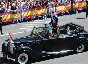 Felipe VI recorre las calles de Madrid