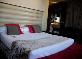 Un matrimonio estafa 31.000 euros en siete hoteles de lujo