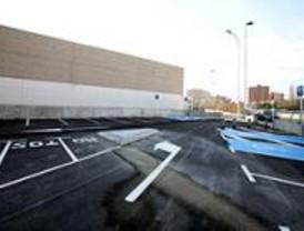 El aparcamiento de la Instalación Deportiva La Masó permite estacionar a 70 vehículos