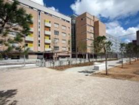 Dieciocho familias de Alcorcón recogen las llaves de su nueva vivienda adaptada