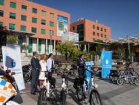 Los funcionarios y la Policía local de Alcobendas desarrollará ahora su labor en bicicleta eléctrica