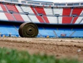 Retiran el césped del estadio Vicente Calderón para acoger el concierto de Bon Jovi