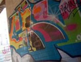 Los 'graffitis', los enemigos de la capital