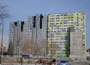 Madrid aún no ha entregado ni la mitad de viviendas sociales que prometió