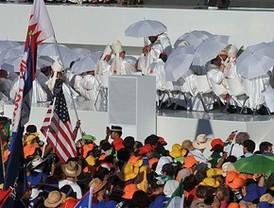 Los peregrinos preparan la llegada del papa