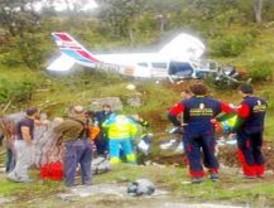 Tres heridos graves al estrellarse una avioneta