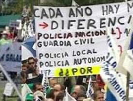 Miles de policías y guardias civiles se manifiestan en Madrid