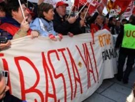 Los trabajadores de RTVE se manifiestan contra la externalización
