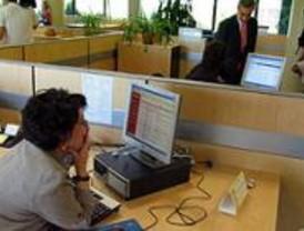 Las trabajadoras madrileñas cobran 8.000 euros menos que los hombres