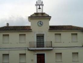 Medidas contra el alcalde de Villalbila, si no cesa a los dos concejales tránsfugas