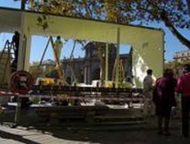 Una violinista vivirá 'enjaulada' seis días junto a la Puerta de Alcalá