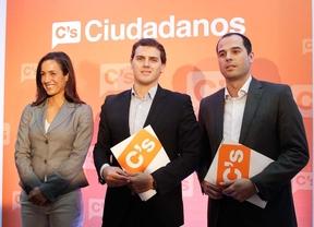Rivera presenta a los candidatos de Ciudadanos con un mensaje pactista y de transparencia