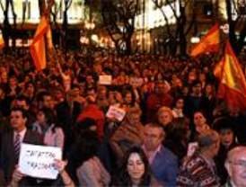 Cientos de personas se manifiestan contra la decisión sobre De Juana