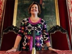 Paz González se estrena como presidenta del Pleno