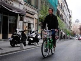 El Ayuntamiento pedirá que el casco no sea obligatorio para los ciclistas en ciudad