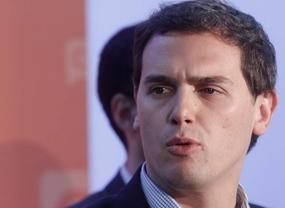 Rivera ve en la política económica de Podemos un escollo para apoyar a Gabilondo