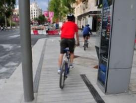 Así es la acera bici de Serrano
