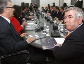 El PP acude a una cita de la FEMP para pedir una reunión con Solbes