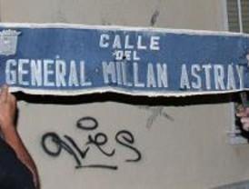 Llevan a Sol las placas franquistas retiradas de las calles