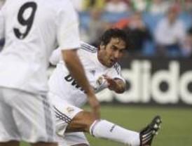 Fácil goleada con debut de Xabi Alonso y Kaká