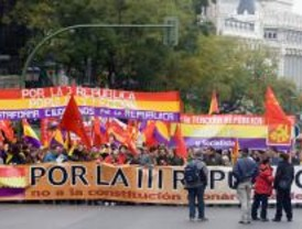 Cientos de personas se manifiestan en Madrid por la III República