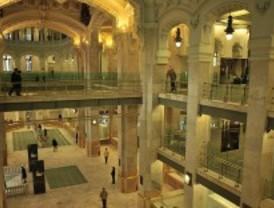 El Palacio de Cibeles recibe casi tantas visitas en un mes como el Museo del Prado