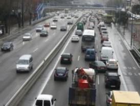 La lluvia complica el tráfico